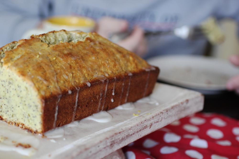 lemonpoppyseedcake1