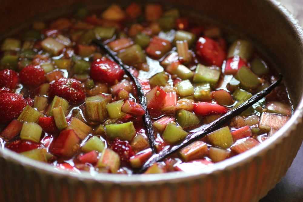 maceratedrhubarbandberries